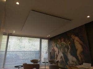 Akoestiek in huis verbeteren met akoestisch plafondpaneel