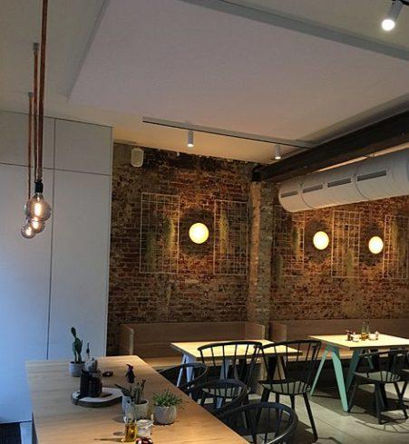 Akoestiek horeca verbeteren door akoestische plafondpanelen