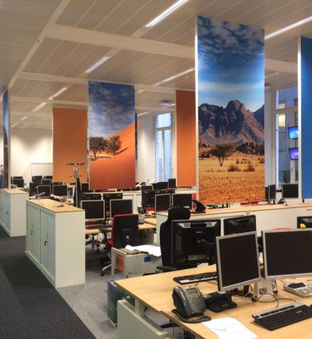 Akoestiek op kantoor optimaliseren met bedrukt akoestische schermen